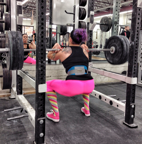 vegan powerlifters, front squats, powerlifting, female powerlighter